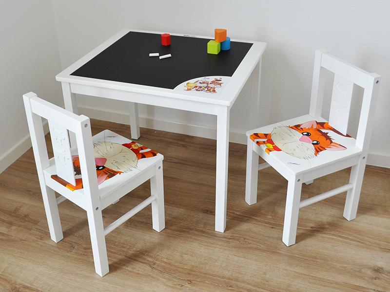 Tafeltje Stoeltje Dreumes.Ikea Tafel En Stoelen Kind Kinder Tuinset Metaal Van Ikea